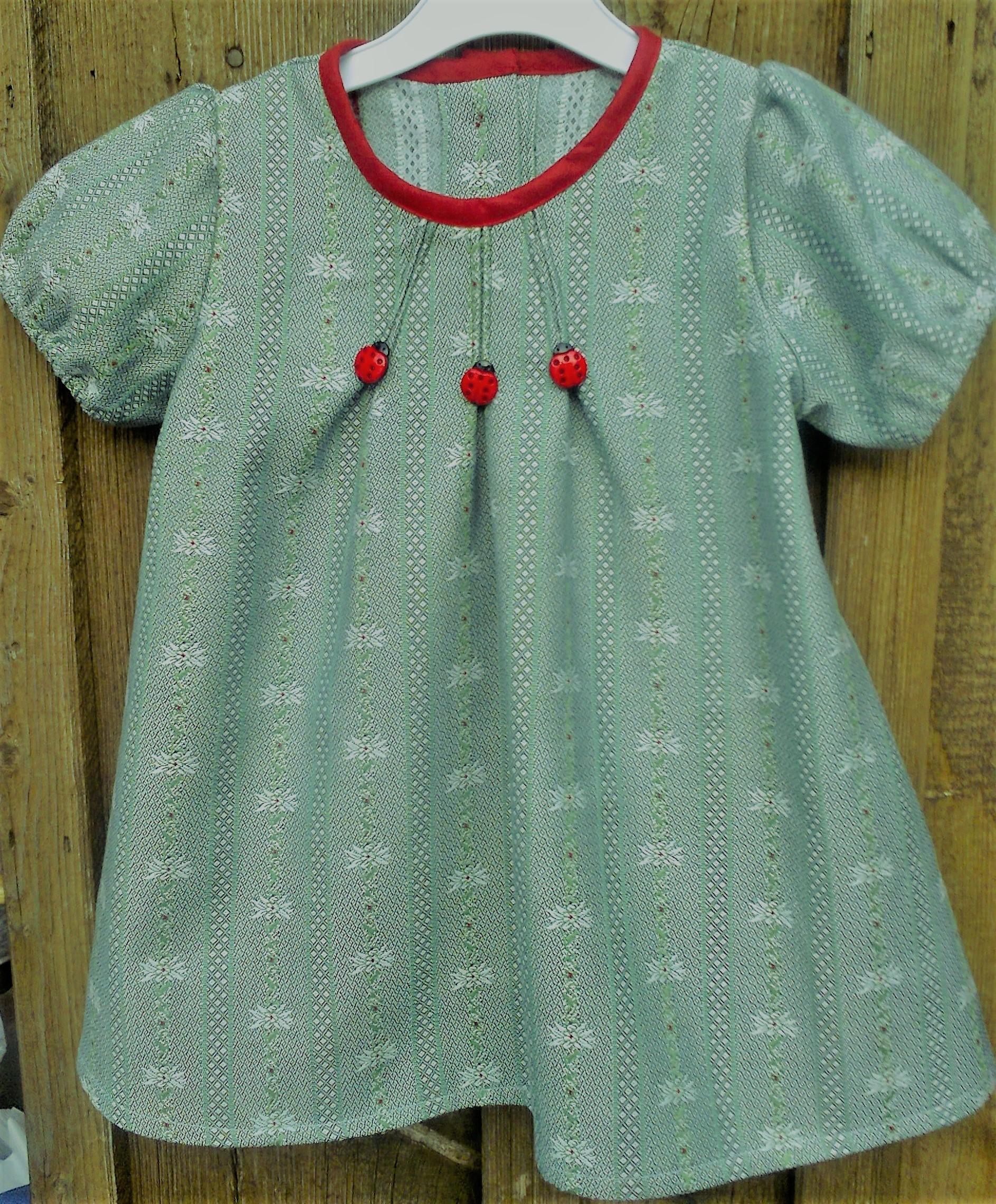 Edelweiss Kleid lindengrün