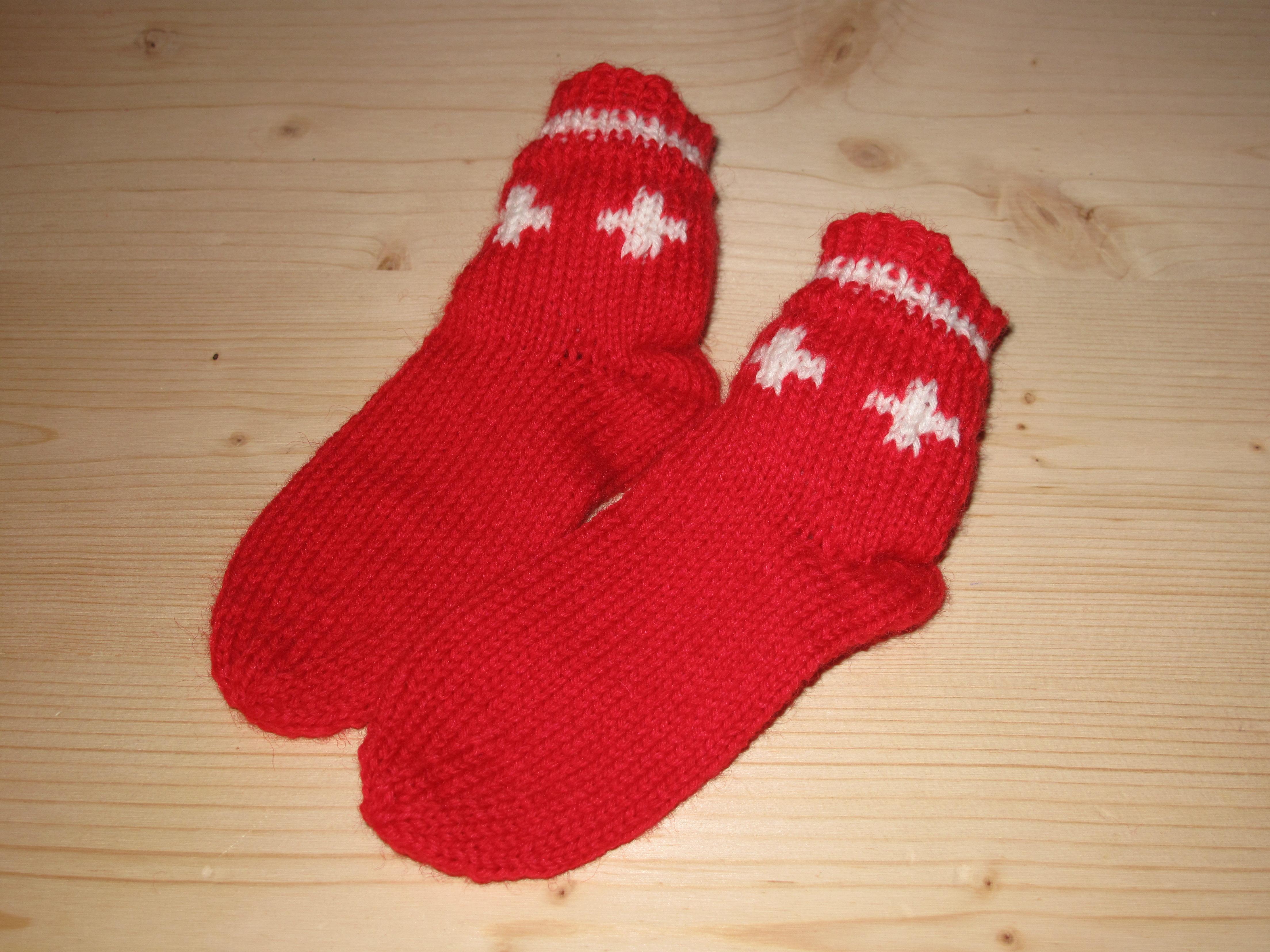 Socken rot mit CH Kreuz, Kind