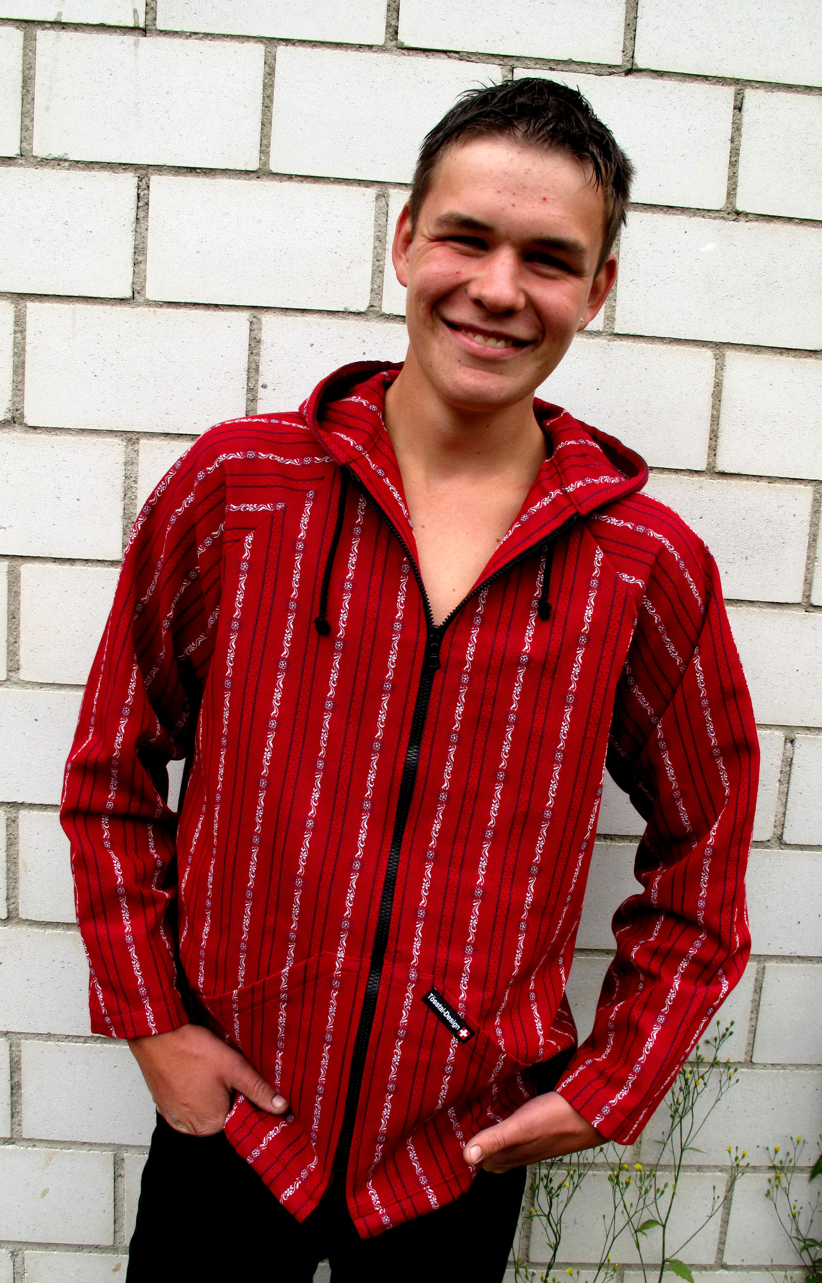 Edelweiss Kapuzenjacke Tösstal-Design, rot